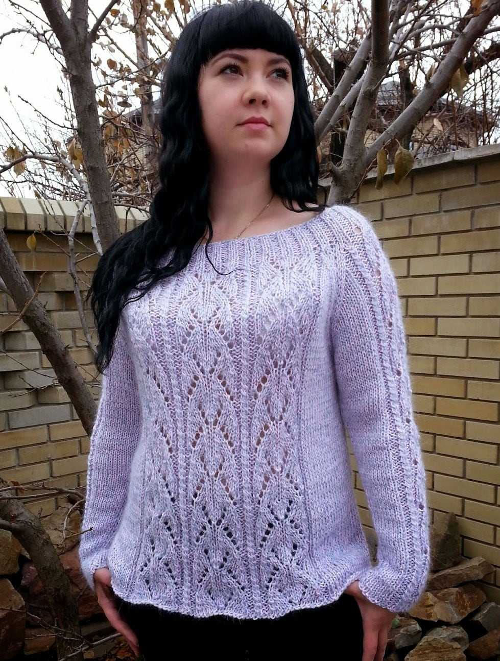 Free Knitting Patterns - Raglan Pullover with Lace Pattern