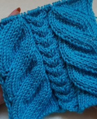 Central Cable Stitch Knitting Pattern