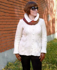 Cardigan in Textured Pattern with Cables