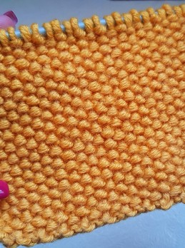 Knot Stitch Knitting Pattern for Pillows