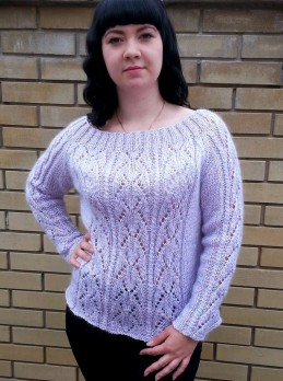 Raglan Pullover with Lace Pattern