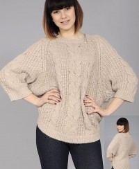 Oversized Raglan Pullover with Cables