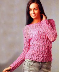 Round Yoke Pullover with Cables