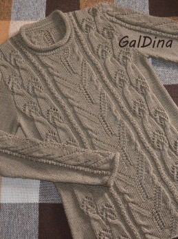 Pullover with Lace Cables