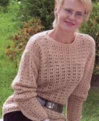 Pullover in Lace Panels