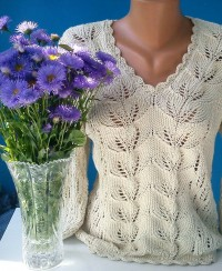 Pullover with Leaf Pattern