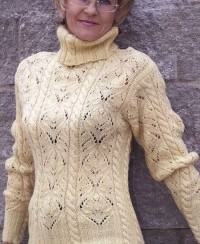 Sweater in Fancy Pattern with Cables