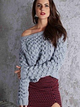 Pullover in Fancy Pattern with Cables