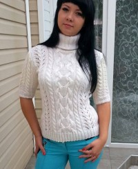 Short Sleeve Sweater in Lace Pattern with Cables