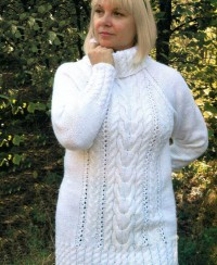 White Tunic Sweater in Cable Pattern