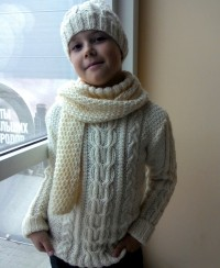 Boy's sweater, hat and scarf